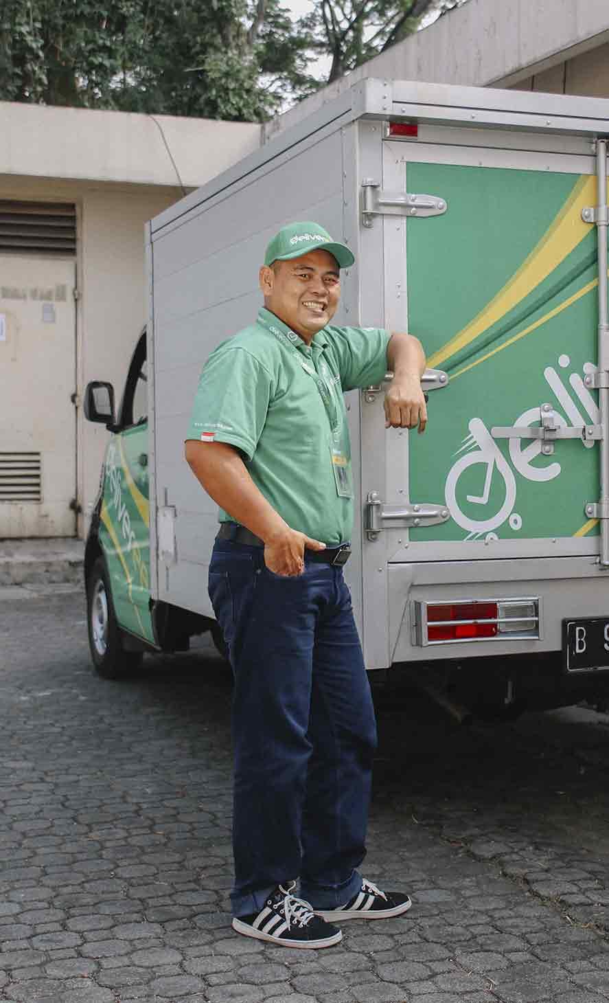 Berkendaralah dengan Deliveree! Manfaatkan waktu Anda di jalan dengan permintaan dari pemberi izin kami.