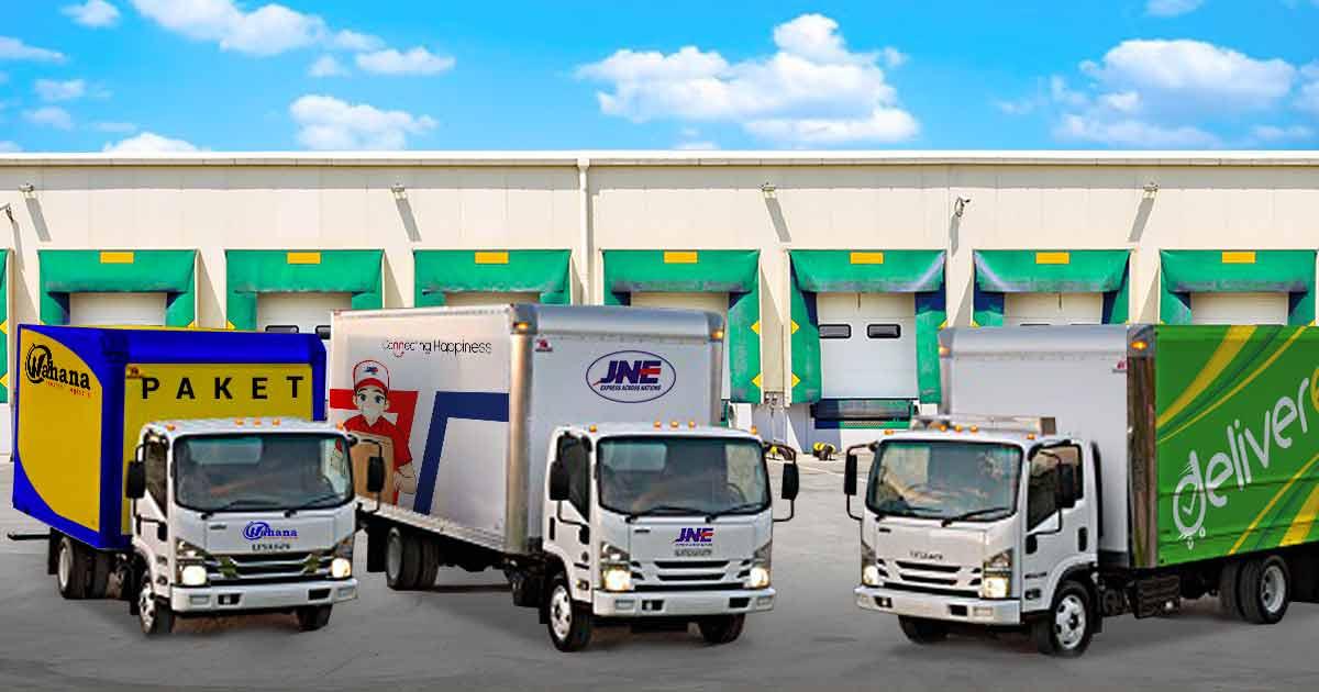 Truk Engkel Ekspedisi Semarang Wahana JNE Trucking